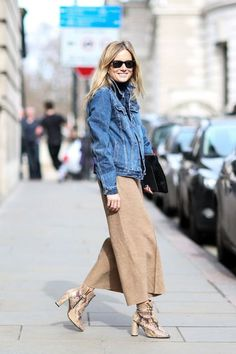Culottes Outfit Ideas OOTD Tips Source by aacgudini ideas botines Denim On Denim, Denim Look, London Fashion Week 2015, Culottes Outfit, Outfits Mujer, Fall Winter Outfits, Denim Fashion, Style Fashion, Casual Looks