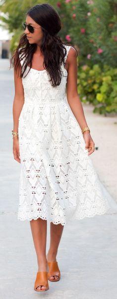 White Lace Dress Streetstyle