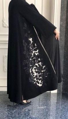 41 Ideas Fashion Dresses Hijab Black For 2019 Abaya Fashion, Muslim Fashion, Modest Fashion, Fashion Dresses, Abaya Style, Hijab Style, Iranian Women Fashion, Latest Fashion For Women, Womens Fashion