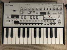 MATRIXSYNTH: Roland TB-03 w/ K-25m Keyboard