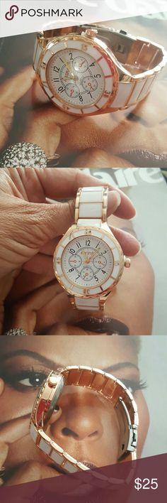 Elegant White/Gold Quartz Watch White/Gold Stainless Steel Round Dial Quartz Watch Accessories Watches