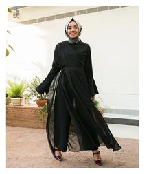 Image may contain: 1 person, standing and shoes Casual Hijab Outfit, Hijab Dress, Hijab Chic, Dress Outfits, Muslim Fashion, Modest Fashion, Hijab Fashion, Fashion Outfits, Vestidos Vintage