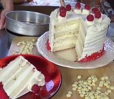 NEW! White Chocolate Cake Recipe with Woodland Bakery Blog TV!