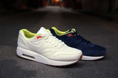 Nike Air Maxim 1 x A.P.C.