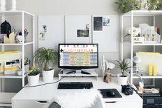 Blogerský plán na 12 měsíců Vyplň níže své jméno a e-mail a získej blogerský plán na 12 měsíců spolu s radami a tipy, jak blogovat a začít vydělávat blogem. Jde o bezplatný zdroj a nebudevyžadována žádná platba.Přihlášením souhlasíš s přijímáním e-mailů od Na blogu záleží. Odběr můžeš kdykoli zrušit. Získat zdarma blogerský plán na 12 […] Office Desk, How To Plan, Room, Furniture, Home Decor, Homemade Home Decor, Desk, Rooms, Home Furnishings