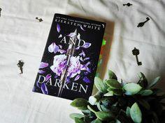 Effi reads: [Most Wanted] And I Darken von Kiersten White (The...