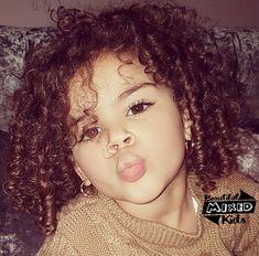 That hair 😍😍 Mixed Baby Boy, Cute Mixed Babies, Cute Babies, Precious Children, Beautiful Children, Beautiful Babies, Curly Girls, Boys With Curly Hair, Cute Outfits For Kids