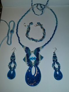 Blue macrame set Washer Necklace, Macrame, Projects, Blue, Jewelry, Log Projects, Blue Prints, Jewlery, Jewerly