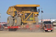 Mammoet Transports Assembled Haul Truck - Breakbulk Events & Media