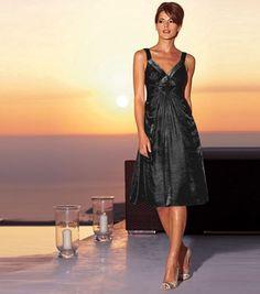 Vestido de fiesta mujer de tirantes y lentejuelas UG MagicOutlet 80% viscosa, 20% poliamida. Largo aprox 98 cm. 23,45€