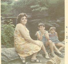 Peter Steele, his mom Type 0 Negative, Doom Metal Bands, Parkway Drive, Peter Steele, Forever Green, Popular People, Green Man, Baby Daddy, Singer
