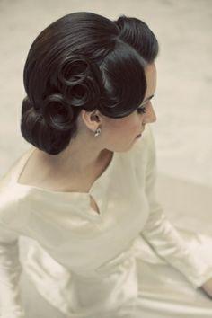 Hair Styles: Vintage inspired Updo