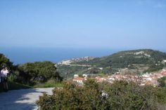 Descending the coast route to Vourliotes
