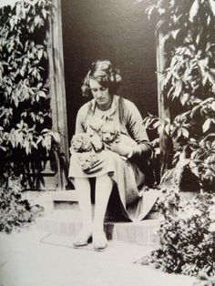 I Just Miss You, Vita Sackville West, Bloomsbury Group, Virginia Woolf, Art History, Vintage Photos, Authors, England, Gardens