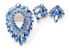 D & E for Sarah Coventry Blue Lagoon Brooch & Earrings Navette Aurora Rhinestone Vintage Costume Jewelry, Vintage Costumes, Vintage Jewelry, Antique Jewelry, Oval Face Shapes, Heart Shapes, Belt Buckles For Sale, Christmas Shopping Online, Scarf Jewelry