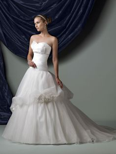 Organza Sweetheart Directionally Pleated Satin Bodice Ball Gown Wedding Dress