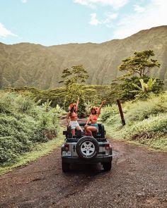 Thelma and Louise, Hawaii edition? Adventure Awaits, Adventure Travel, Places To Travel, Places To Go, Hawaii Pictures, Hawaii Life, Honolulu Hawaii, Maui, Travel Aesthetic