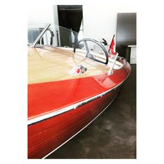 - your help is needed for Hanalei II Today starts the #crowdfunding for #hanalei2 #wemakeit #zürich #zürichsee #oldtimerboot #oldtimer #stiftunghzb #kspch @#theapartmentstore #apartment #apartmentstore Historische Zürichsee Boote   www.stiftunghzb www.hanalei.wemakeit.com  @stiftunghzb @kspch