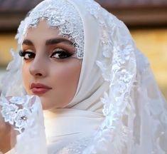 Setahunbaru: Beautiful Hijab in Love Wedding Hijab Styles, Muslim Wedding Dresses, Muslim Brides, Luxury Wedding Dress, Muslim Girls, Bridal Wedding Dresses, Bridal Hijab, Hijab Bride, Beautiful Muslim Women