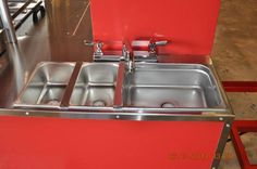TopDogCarts.com - three sinks