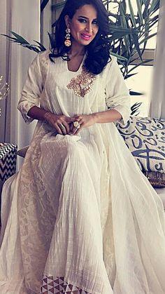 Abaya Fashion, Modest Fashion, Fashion Dresses, Pretty Dresses, Beautiful Dresses, Estilo Abaya, Eid Outfits, Fashion Terms, Afghan Dresses