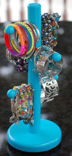 DIY Bracelet Holder using cup holder!