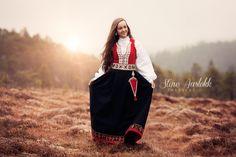 Konfirmant | Fotograf Stine Norway, Traditional, Photography, Beauty, Pictures, Photograph, Photo Shoot, Fotografie, Fotografia