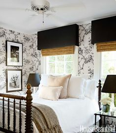 Ralph Lauren Home's Ashfield Floral wallpaper turns a small guest room into a romantic retreat. - Modern Farmhouse Decorating - House Beautiful