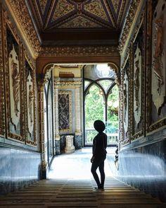 Musica, djset,preview delle nuove collezioni, eventi aperti a tutti, senza prenotazione e diffusiin tutta la città: scopri il lato fashion di Venezia,città dei talenti. Venice Fashion Night èla prima festa diffusa dedicata alla moda a Venezia.