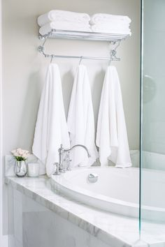 Quick And Easy Bath Storage  Bathtubs Towels And Sinks Classy Storage For Towels In Small Bathroom Decorating Design