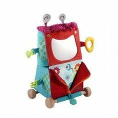 Rolobot transformer - Lilliputiens €39.95  Rolobot zit boordevol ideetjes om samen plezier te maken (magneet, ritssluiting, spiegel ...). In een-twee-drie maak je er een vrachtwagen van. Met zijn kleine houten wieltjes vervoert hij alles wat je maar wilt!