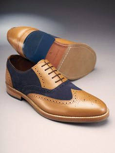 Find out how to wear a pair of two-tone brogues. Also known as spectator shoes, these stylish brogues are currently enjoying a style renaissance. Sneakers Fashion, Fashion Shoes, Mens Fashion, Women's Sneakers, Sneakers Sale, Sneakers Design, Cheap Sneakers, Prom Shoes, Dress Shoes