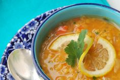 blissfulb - BLISS - blissful eats with Laurie Jesch-Kulseth: Red Lentil Soup with Lemon Great Recipes, Soup Recipes, Vegan Recipes, Favorite Recipes, Lemon Soup, Red Lentil Soup, Homemade Soup, C'est Bon, Soup And Salad