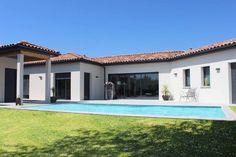 Atelier d'Architecture Scénario - Maison cocon en C de plain pied avec piscine à côté de Toulouse