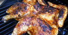 Du poulet grillé, mariné à la bière, aux épices, badigeonné de beurre avant de griller au barbecue, lentement. Une viande parfumé, tendre, ...