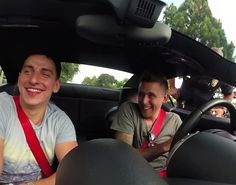 PRANK OF THE DAY! STREET RACERS USES SPEAKER TO TRICK COPS THEY ARE STREET RACING!
