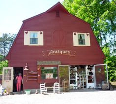 My Grandmother Had That Antiques in Wrentham, Mass. http://newenglandtravelnews.blogspot.com/2012/05/visiting-my-grandmother-had-that.html