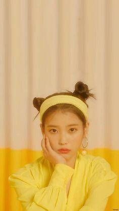 Korean Actresses, Korean Actors, Iu Twitter, Mobile Wallpaper, Animal Wallpaper, Colorful Wallpaper, Black Wallpaper, Flower Wallpaper, Wallpaper Quotes