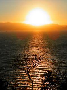 M   o    m    e    n    t    s    b    o    o    k    .    c    o    m: Ένα μεγάλο χαμόγελο απ' τον Ήλιο λίγο πριν μας κλε...