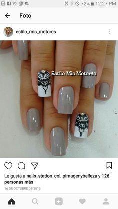 gris claro con blanco y diseño - Your Tutorial and Ideas Love Nails, Pretty Nails, Mandala Nails, Nail Decorations, Fabulous Nails, Stylish Nails, Manicure And Pedicure, Diy Nails, Beauty Nails