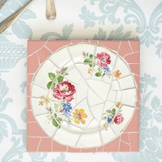 How to make a pretty trivet from an old plate: From Daily Fix.