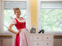 Dirndl Antonia m Puenkterl 70 cm - Dirndl - Damen - Country Hotel Kleidung - Dirndl - Trachtenmode - Landhausmode und mehr