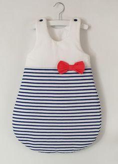 Gigoteuse bébé marin hiver pour bébé fille, rayé bleu et blanche avec touche de corail : Mode Bébé par aux-pays-des-reves