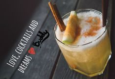 Ty Pennington shares recipes that celebrate the season of fall with apples, pears, and berries cocktails. Sangrias, craft cocktails, and warming drinks. Winter Cocktails, Holiday Drinks, Fall Drinks, Easy Cocktails, Holiday Parties, Kefir, Grog, Best Non Alcoholic Drinks, Southern Kitchens