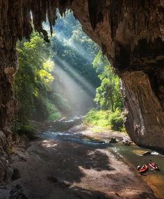 Tham Lod Cave in the Mae Hong Son Wilderness, Northern Thailand. By Drew Hopper.