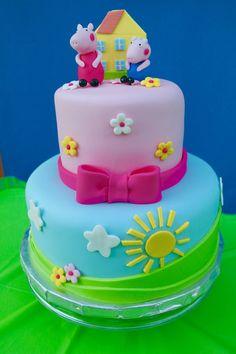 Original idea para comida de una fiesta temática de Peppa Pig. #Peppapig #fiestadecumpleaños Tortas Peppa Pig, Bolo Da Peppa Pig, Peppa Pig Birthday Cake, 4th Birthday, Birthday Ideas, Aniversario Peppa Pig, Bolo Mickey, Pig Party, Girl Cakes