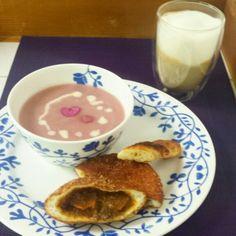 赤かぶボタージュとカレーパンの朝食