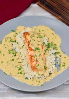 Gebratener Lachs in Honig-Senfsauce – Zimt & Chili fried salmon in honey mustard sauce – salmon – honey mustard sauce – easy – quick – recipe – milk-free – gluten-free – fish – fried salmon – low carb – clean eating Clean Eating Recipes For Dinner, Clean Eating Breakfast, Clean Eating Meal Plan, Eating Plans, Clean Eating Snacks, Healthy Snacks, Salmon Recipes, Seafood Recipes, Beef Recipes