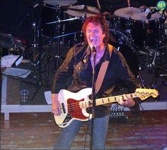 @glennhughes LIVE onstage in Verviers, Belgium JULY 2006.