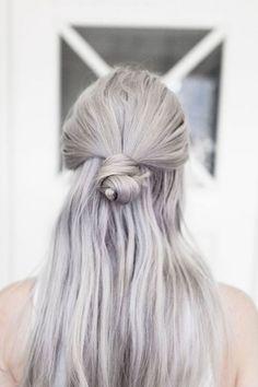 Le gris est-il le nouveau blond ? A en croire les mannequins et les stars, il…